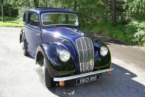 1947 MORRIS 8 2D SLIDING HEAD SALOON