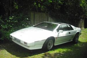 1985 LOTUS ESPRIT 2.2 TURBO, WHITE WITH FULL RED LEATHER, LAST OWNER 21 YEARS