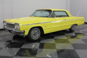BRIGHT VIBRANT YELLOW PAINT, COMPLETE NEW A/C SYSTEM, 283CI WITH A 700R4 TRANS