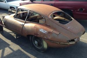 1963 JAGUAR E-TYPE 3.8 LITER FIXED HEAD COUPE, SERIES ONE, ORIG SAND/BEIGE
