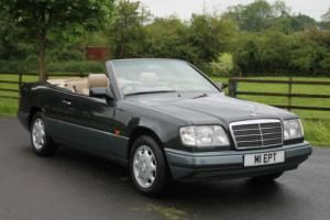 Mercedes-Benz E 220 Cab | W124 | Full Specification including Air Con