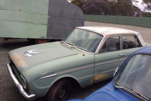Ford Falcon XM DELUXE1964 4D Sedan 3 SP Manual 2 8L Carb