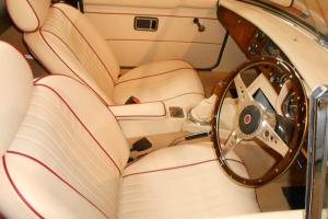 BEAUTIFULLY RESTORED 1972 MG B ROADSTER - TAX EXEMPT - NEW CHROME WIRE WHEELS..  Photo