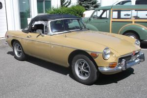 1973 MGB Great running, solid car, new top Photo