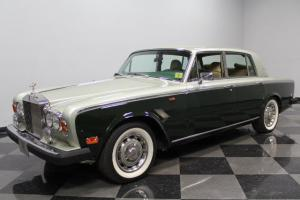 VERY CLEAN ROLLS-ROYCE, 6.75L V8, PLUSH LEATHER, NICE 2-TONE PAINT!