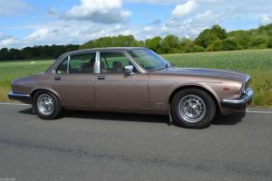 1985 DAIMLER 4.2 AUTO GENUINE 49,000LMILES IN EXCELLENT CONDITION FOR THE YEAR