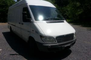 "2002 Freightliner Sprinter 2500 SHC 158"" High Roof"