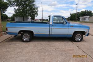 1977 GMC 1/2 ton two tone blue long bed pick up