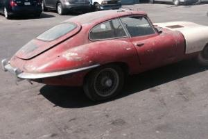Jaguar EType FHC - 1969 - for total restoration. Photo