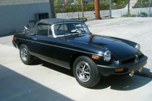 1974 1/2 MG MGB Black 2-Door Convertible (Rubber Bumper)