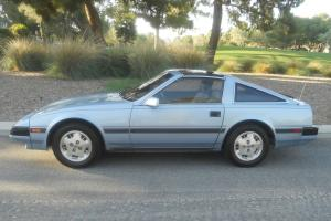 1985 NISSAN 300ZX: 5-SPEED, LEATHER, GLASS T-TOPS, COLD A/C, P/SEAT - NO RESERVE