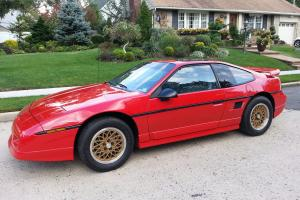 1988 Pontiac Fiero GT Red / Grey * Ultra Low Milage