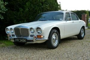 1972 K Daimler Sovereign 4.2 AUTO O.E WHITE/NAVY LEATHER-2 OWNERS-FSH-49K