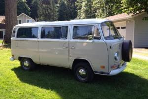 1972 Volkswagen BayWindow Sunroof Bus