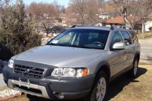 2007 Volvo XC70 Base Wagon 4-Door 2.5L Special Package Edition