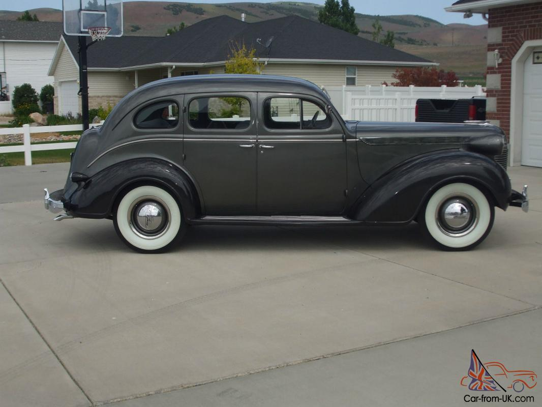 Hemmings Find of the Day – 1937 Chrysler Imperial To ...  |1937 Chrysler Imperial