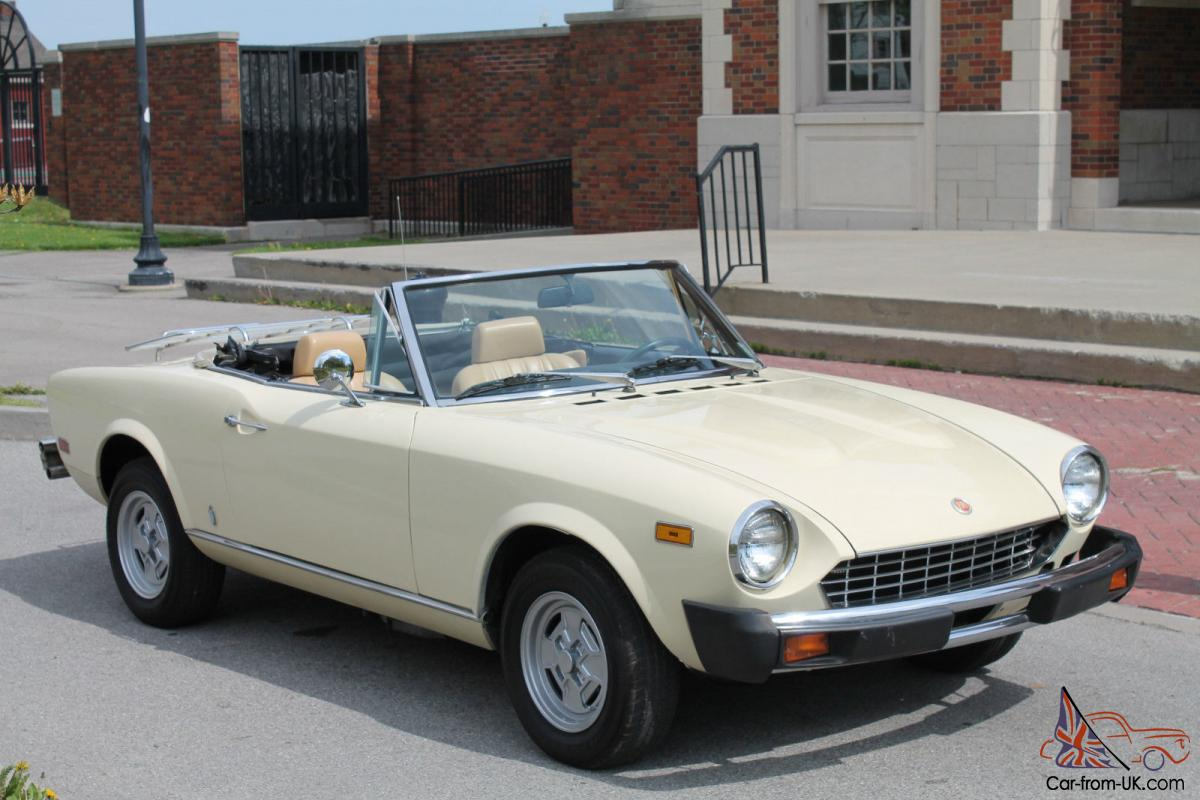 fiat spider convertible white yellow italian sports car automatic. Black Bedroom Furniture Sets. Home Design Ideas