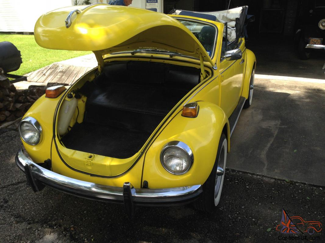 volkswagen convertible 1971 yellow super beetle. Black Bedroom Furniture Sets. Home Design Ideas