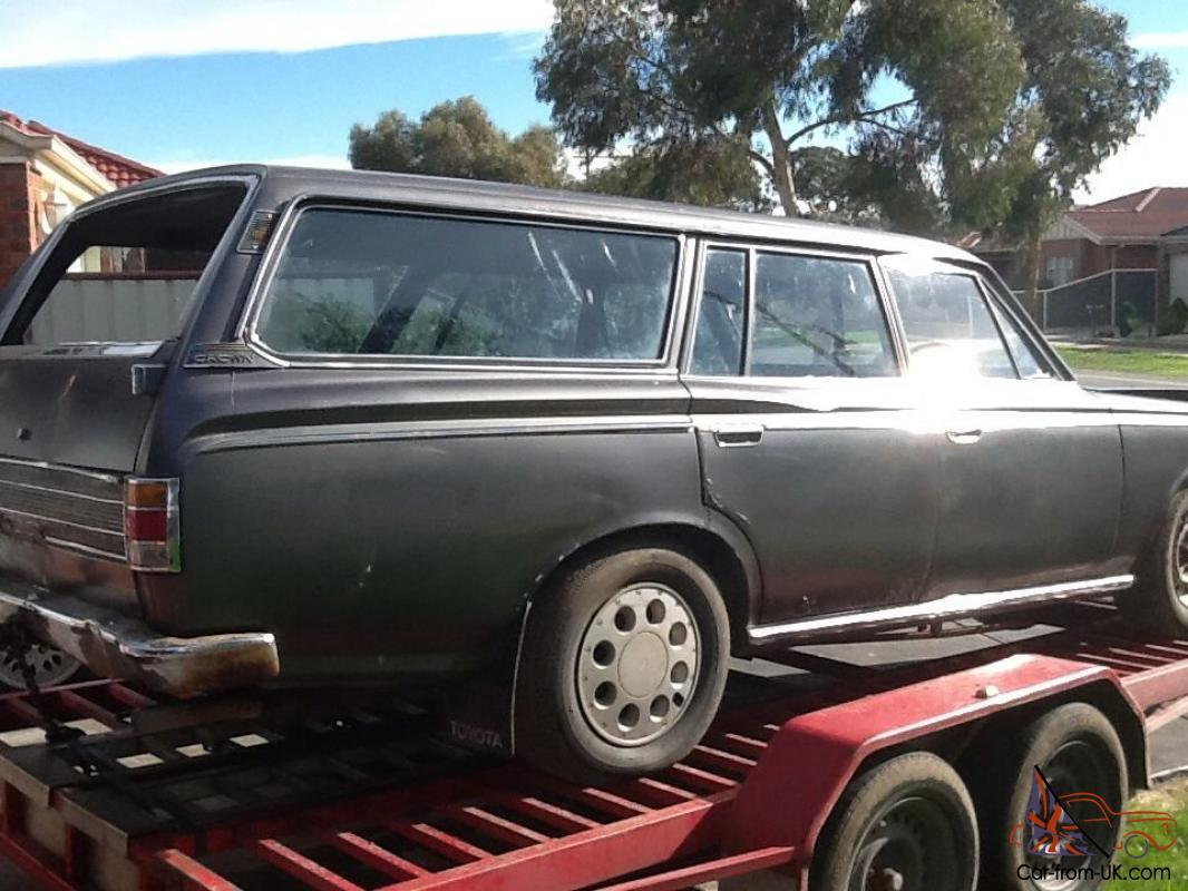 toyota crown station wagon 69 model very rare. Black Bedroom Furniture Sets. Home Design Ideas