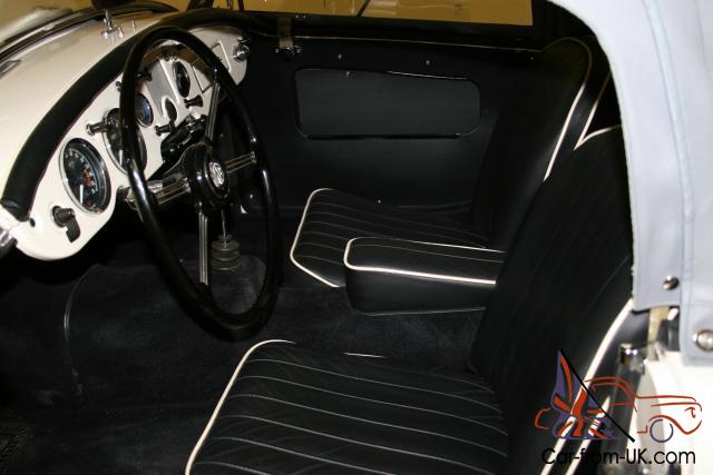 beautiful 1960 mga 1600 roadster ivory white black leather interior. Black Bedroom Furniture Sets. Home Design Ideas