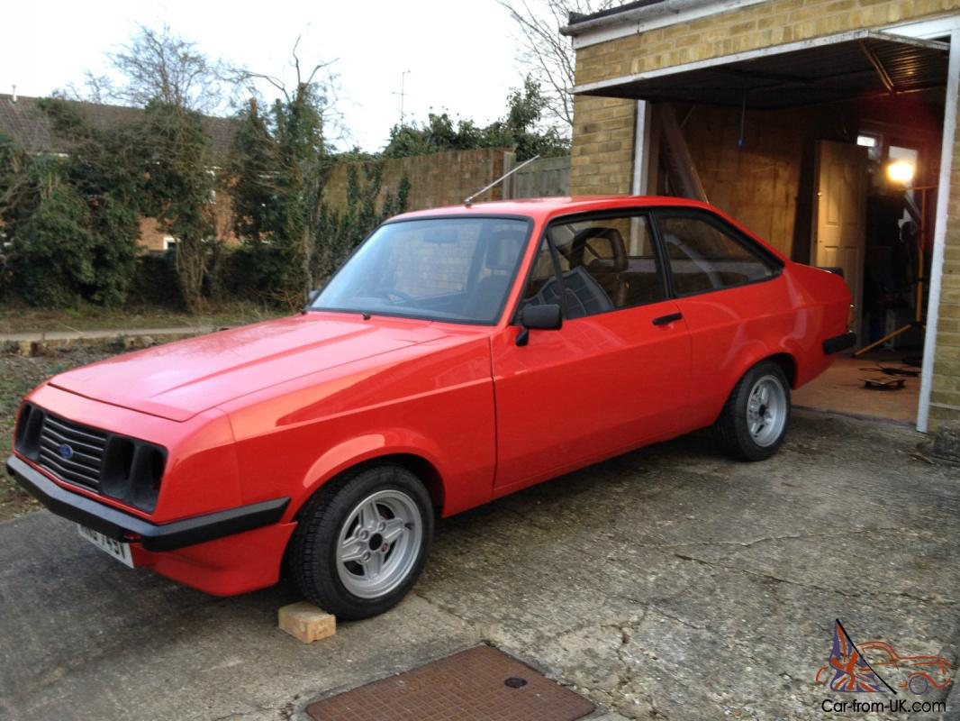 FORD ESCORT MK2 RS2000 Custom RED Chocolate Brown Fishnet Interior ...