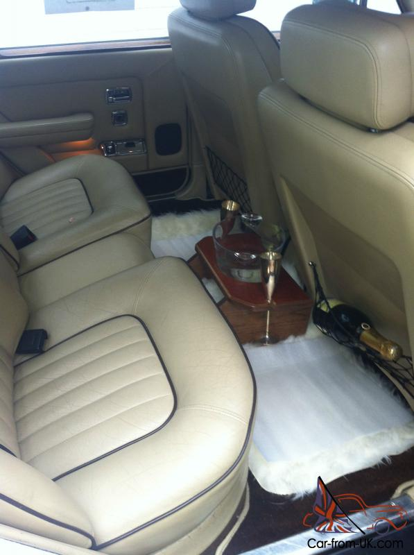 1986 bentley bentley 8 white with beige leather interior. Black Bedroom Furniture Sets. Home Design Ideas