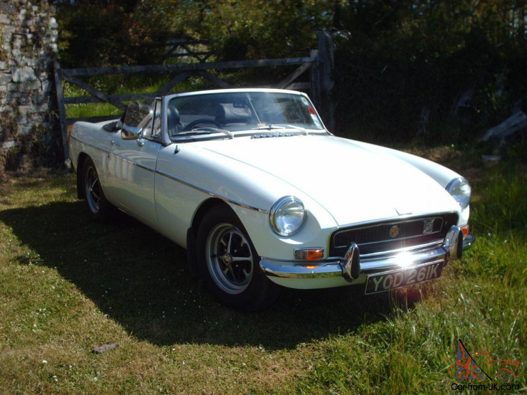 MGB ROADSTER CLASSIC CONVERTIBLE SPORTS CAR for sale