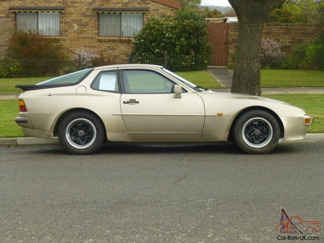 Porsche 944 Aug 1985 Built 2d Coupe 5 Sp Manual 2 5l Multi Point F Inj