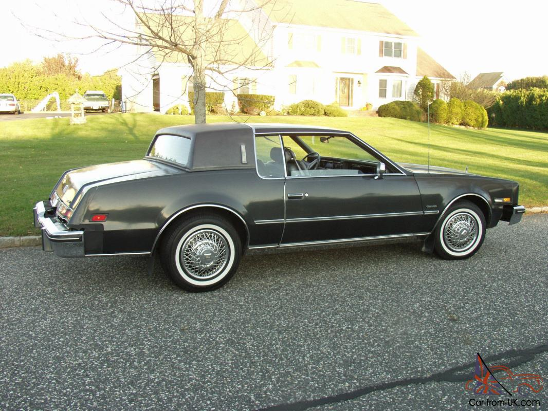 oldsmobile toronado brougham coupe 2 door. Black Bedroom Furniture Sets. Home Design Ideas