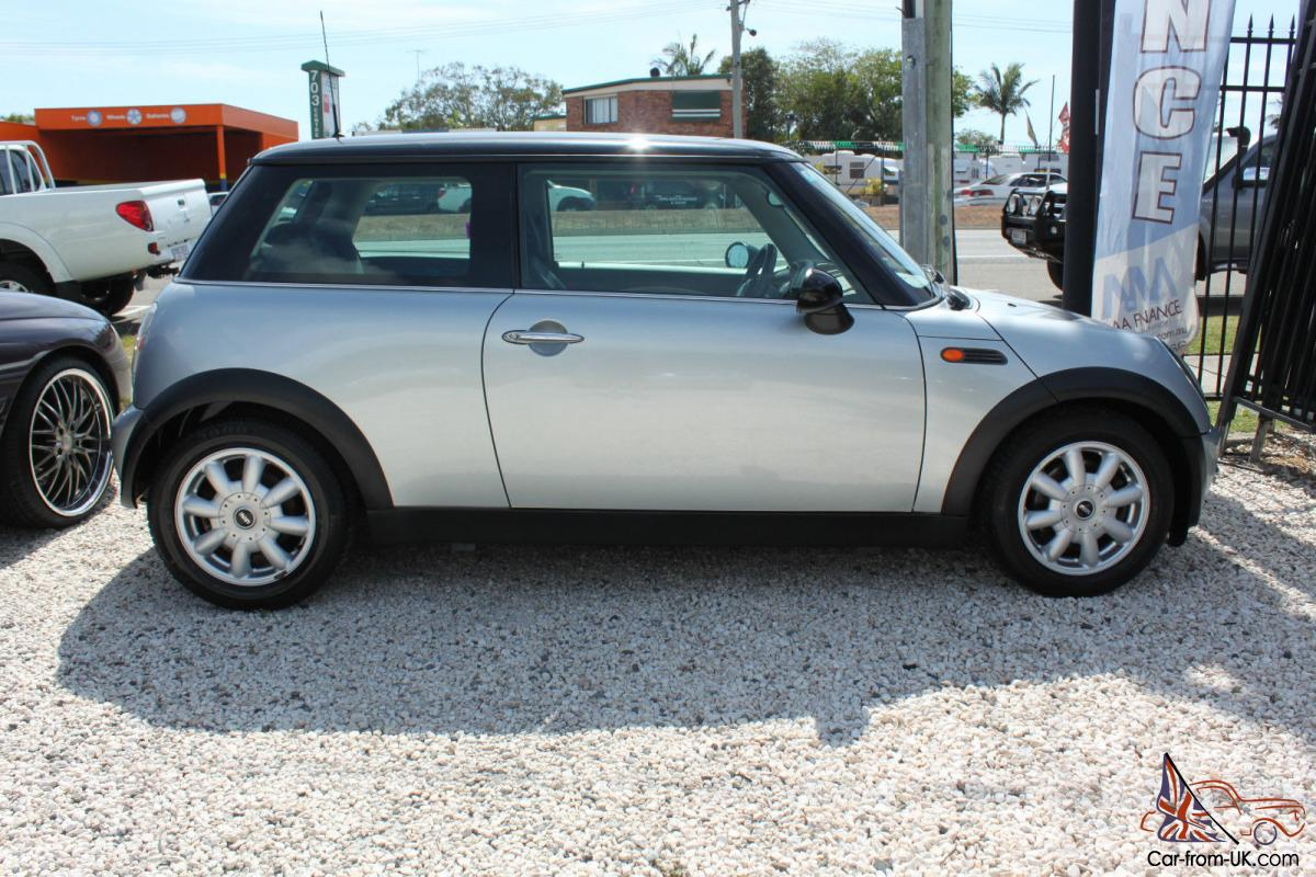 mini cooper 2002 2d hatchback cvt stepspeed 1 6l multi point f inj auto in little mountain qld. Black Bedroom Furniture Sets. Home Design Ideas