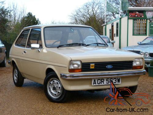 1980 w ford fiesta 1 1l 1 lady owner 17 000 miles immaculate. Black Bedroom Furniture Sets. Home Design Ideas
