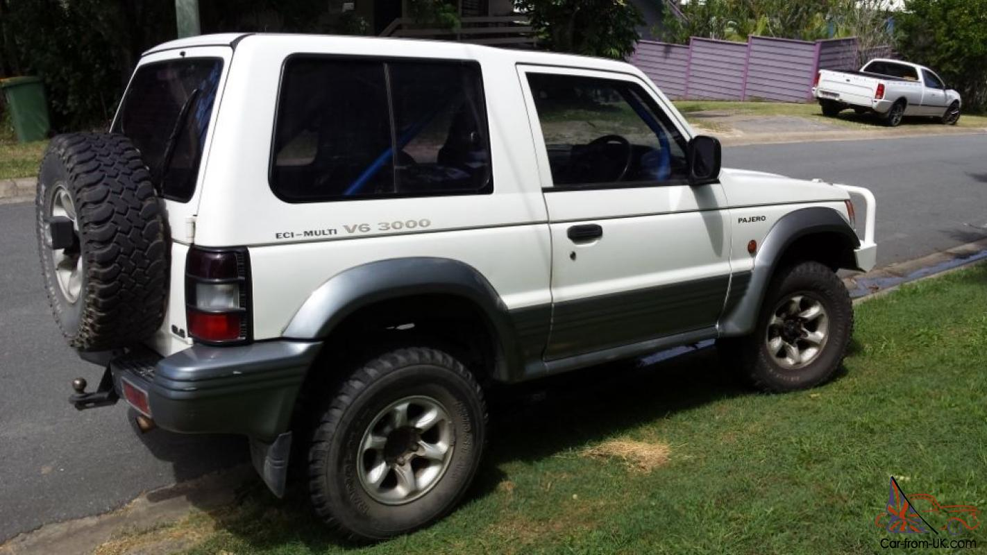 mitsubishi pajero gls swb 4x4 1993 2d hardtop 5 sp manual 4x4 3l multi in helensvale qld. Black Bedroom Furniture Sets. Home Design Ideas