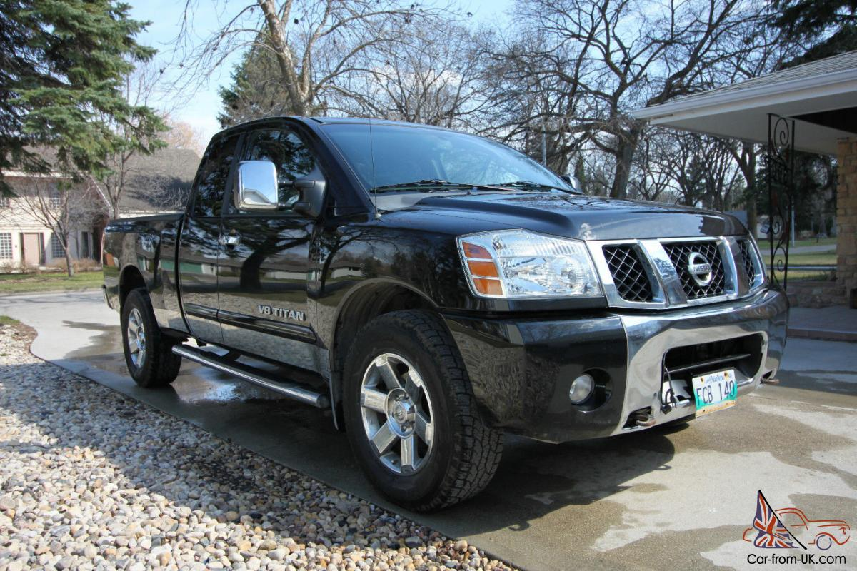 nissan titan se. Black Bedroom Furniture Sets. Home Design Ideas