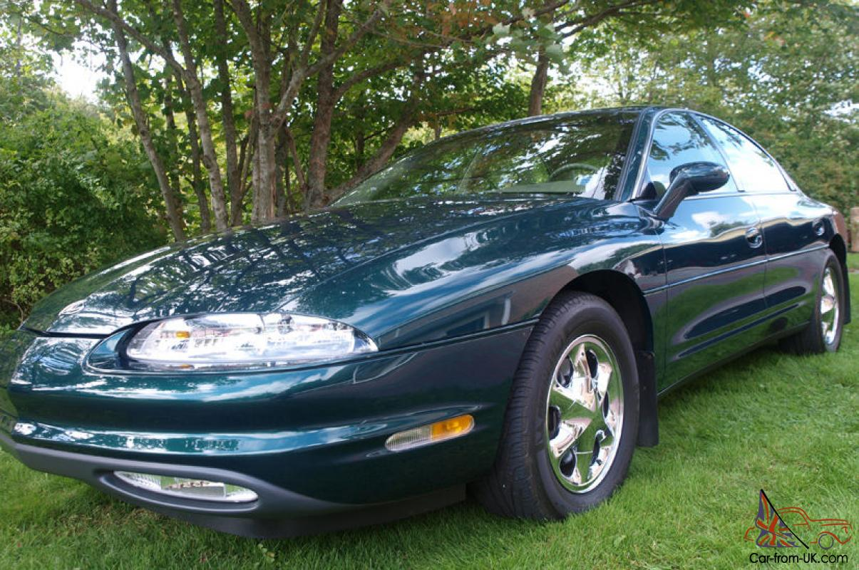 oldsmobile aurora luxury sedan. Black Bedroom Furniture Sets. Home Design Ideas