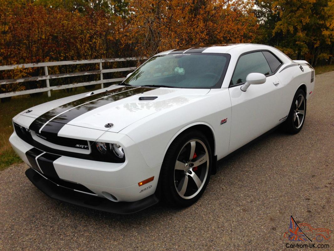 dodge challenger srt8 coupe 2 door. Black Bedroom Furniture Sets. Home Design Ideas