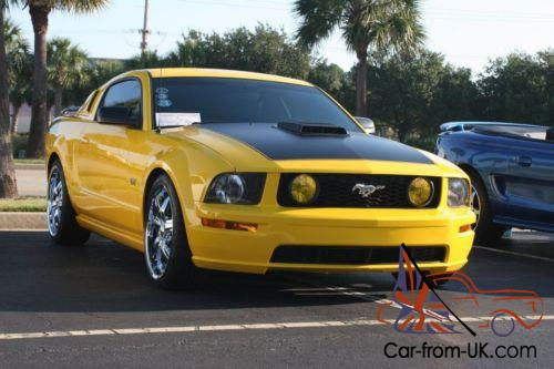 2005 ford mustang gt premium 2dr coupe. Black Bedroom Furniture Sets. Home Design Ideas