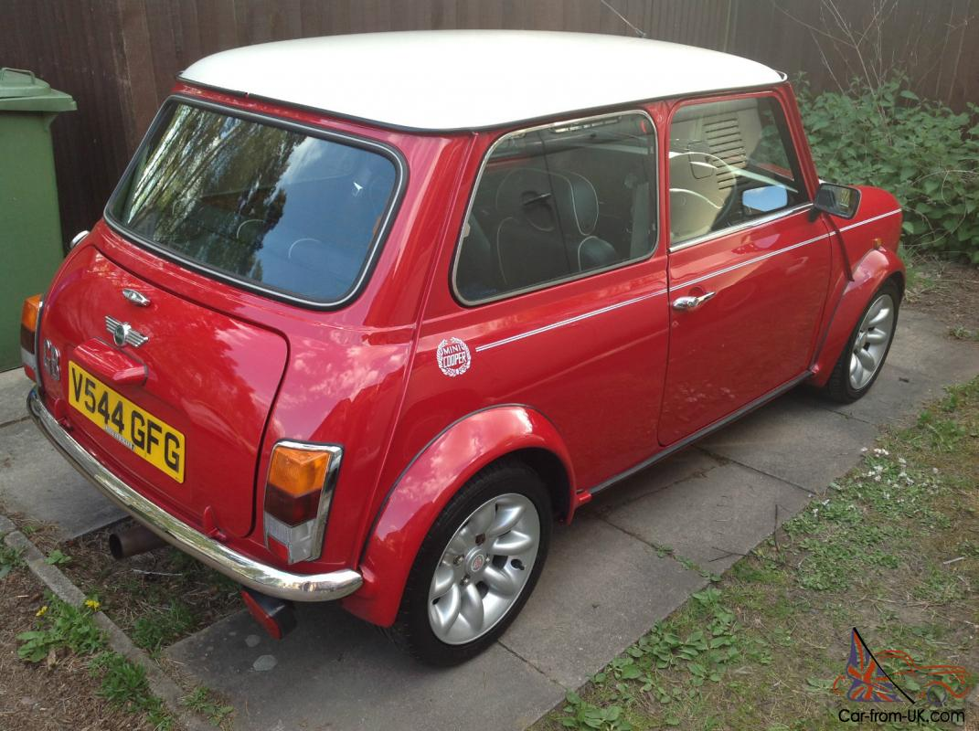 ROVER MINI COOPER SPORTS PACK RED AND WHITE