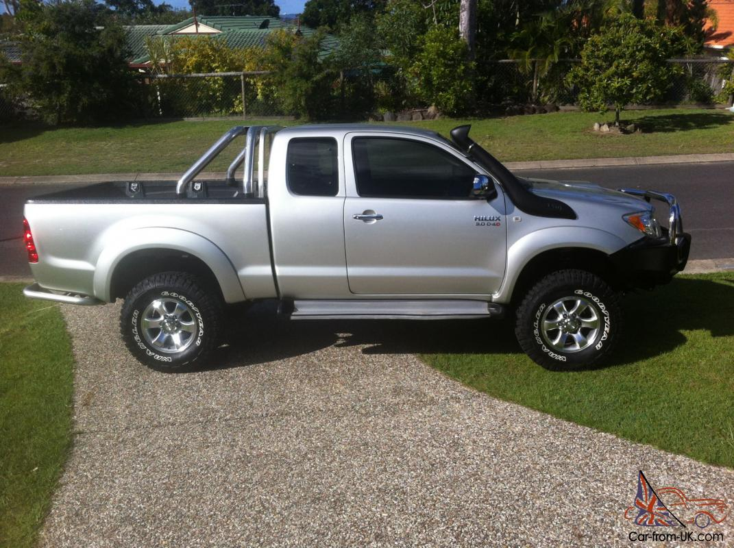 toyota hilux sr5 4x4 2005 x cab p up 5 sp manual 3l diesel turbo. Black Bedroom Furniture Sets. Home Design Ideas
