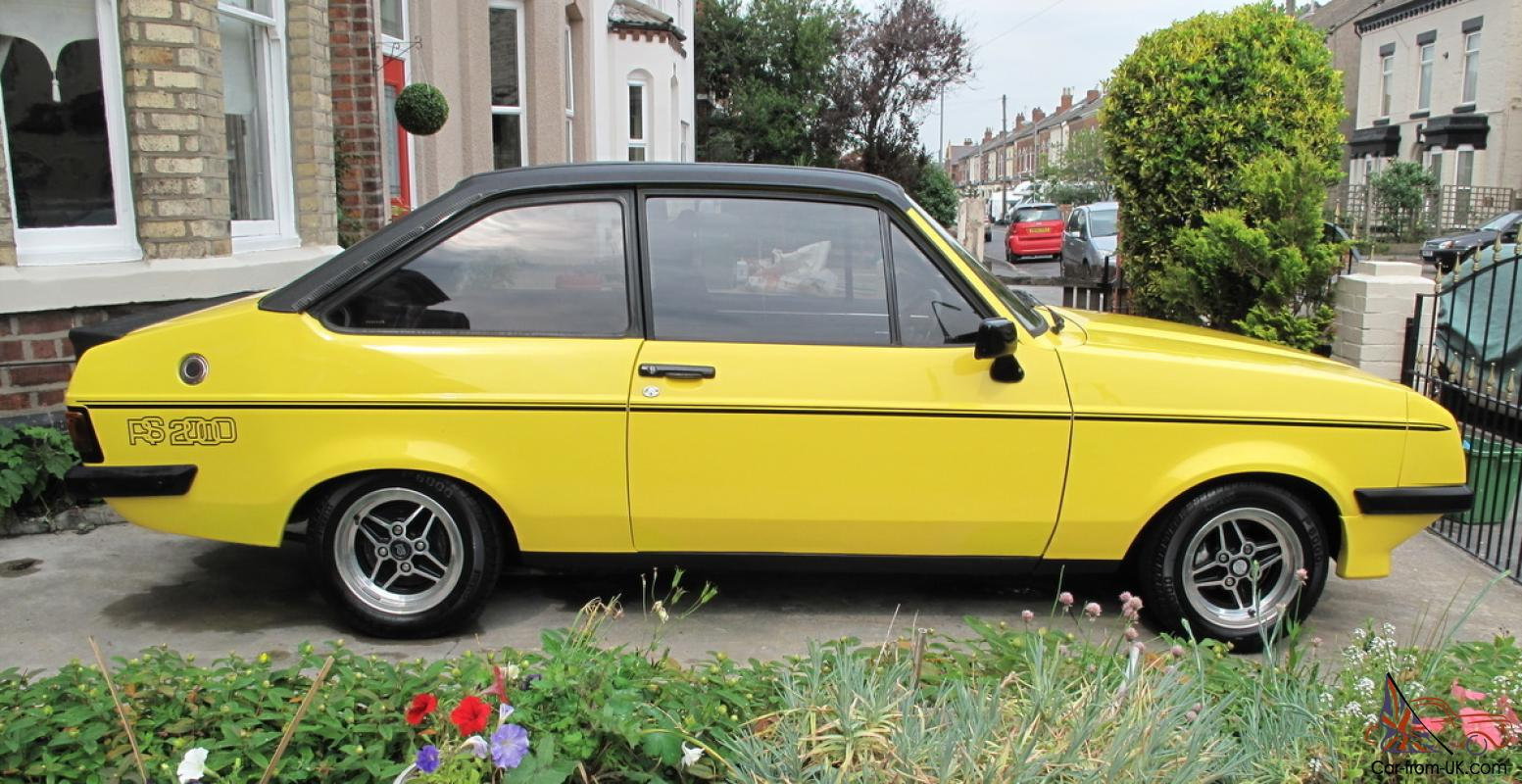 ford escort rs 2000 custom stunning vehicle in signal yellow. Black Bedroom Furniture Sets. Home Design Ideas