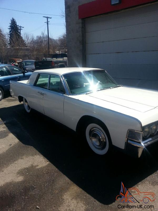 completely restored arctic white 1965 lincoln continental. Black Bedroom Furniture Sets. Home Design Ideas
