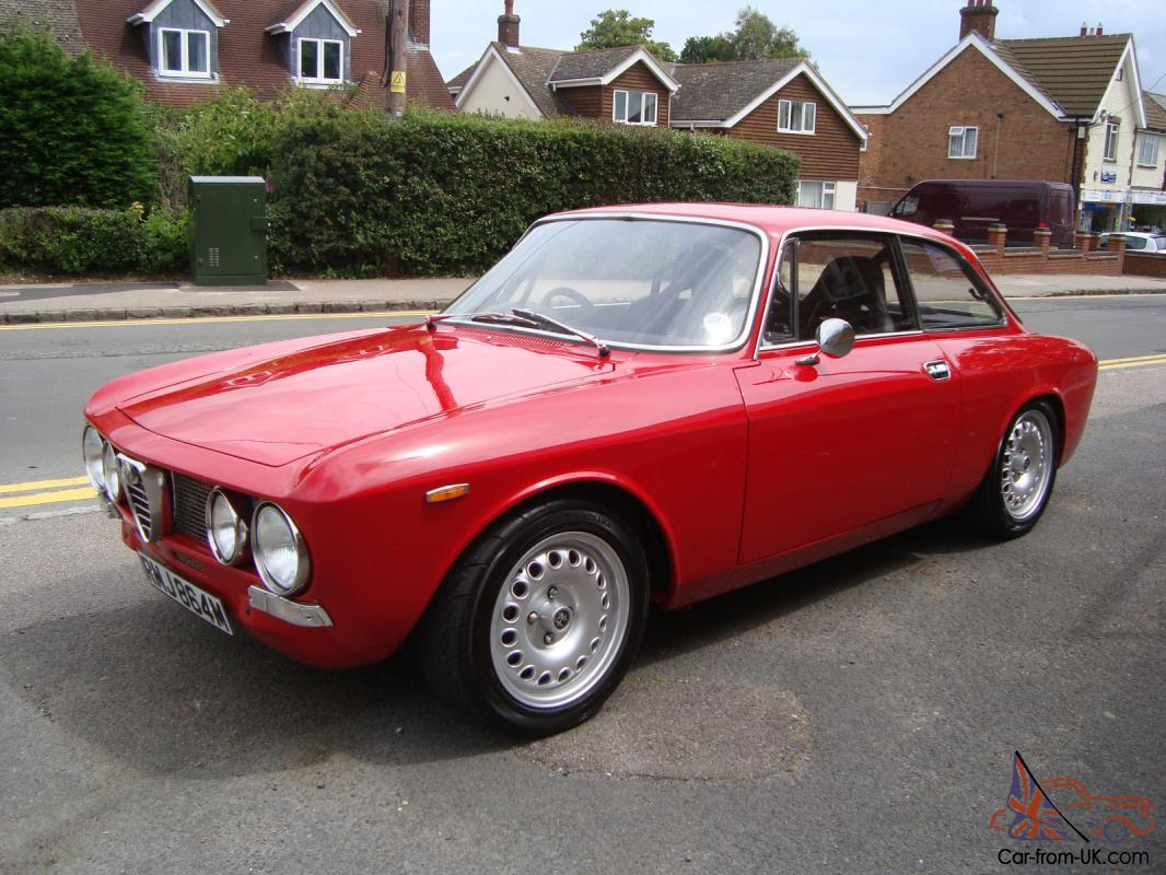 1973 alfa romeo gtv 105 bertone giulia coupe show condition ready for the summer. Black Bedroom Furniture Sets. Home Design Ideas