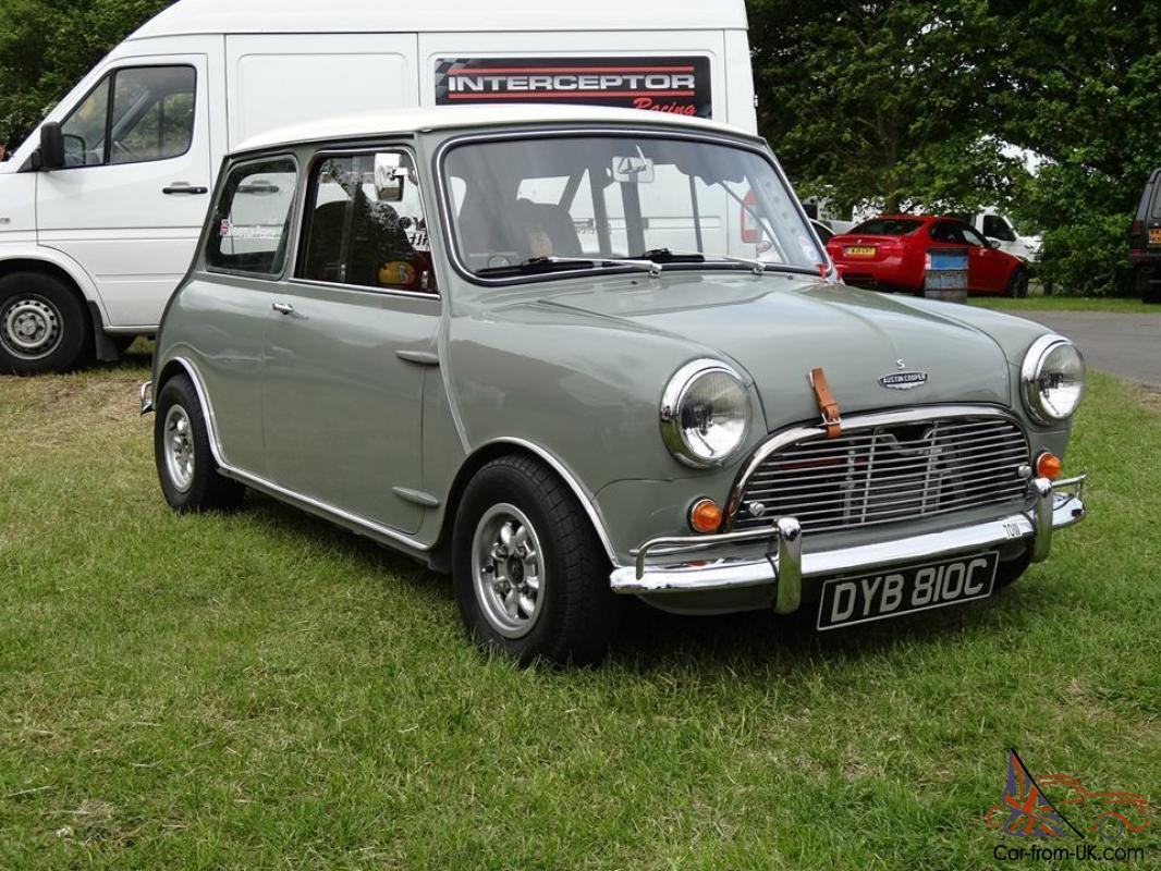1965 austin mini cooper s grey white. Black Bedroom Furniture Sets. Home Design Ideas