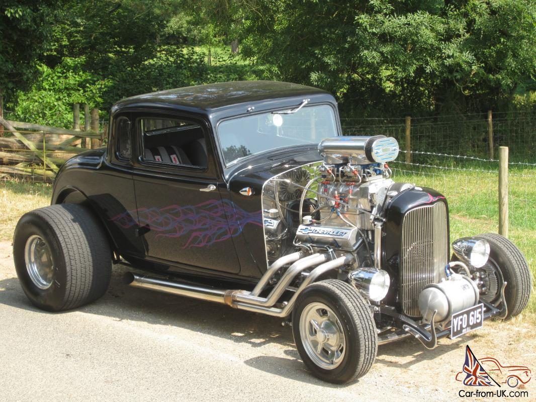CLASSIC AMERICAN HOT ROD - STEEL 1933 PLYMOUTH - V8 CHEVROLET -