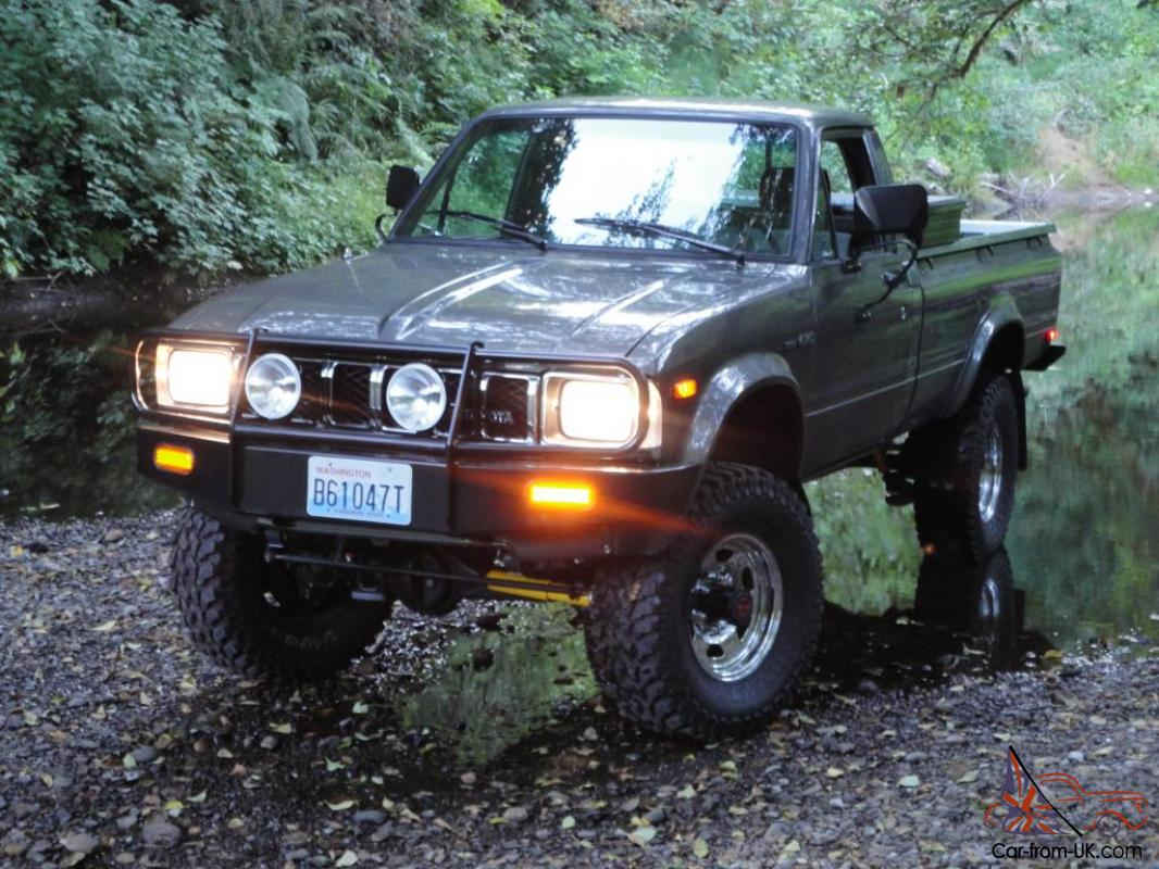 1983 Toyota 4x4 SR5 Long Bed Pickup Hilux 22R ARB Low miles Beautiful Truck