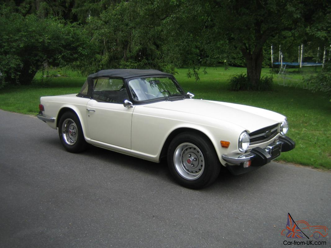 Triumph TR6 Roadster, Old English White, outstanding restored car