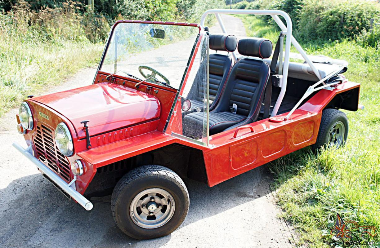 classic 1967 austin mini moke english model on the road. Black Bedroom Furniture Sets. Home Design Ideas