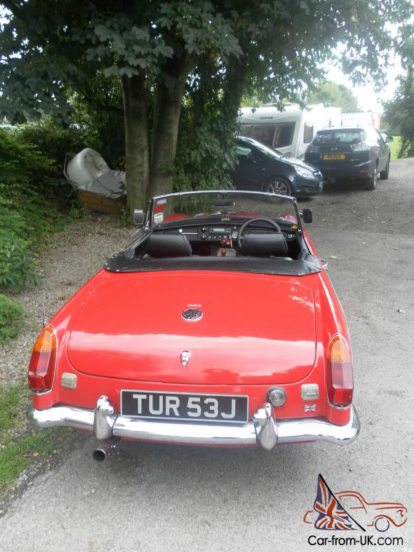 mgb roadster 1970 71 wire wheels flame red with overdrive tax exempt. Black Bedroom Furniture Sets. Home Design Ideas
