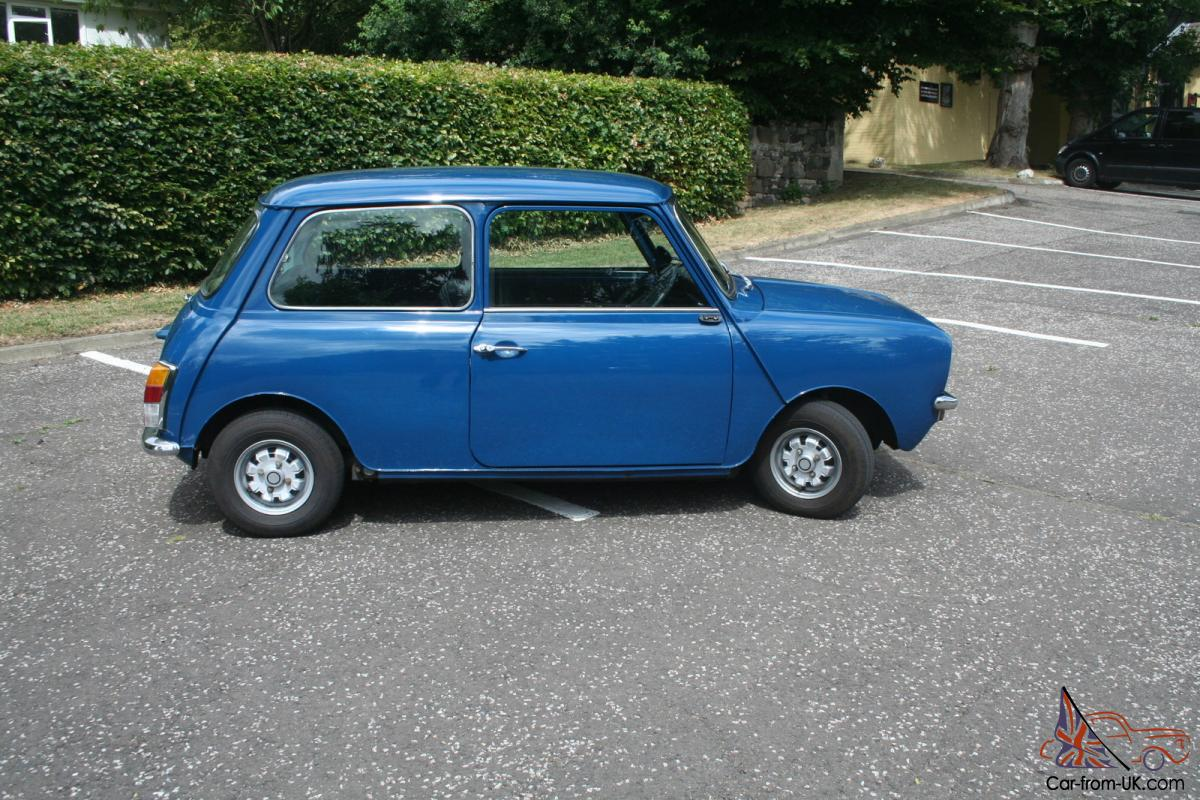 LISBON DECEMBER 25 2012 Old Fashioned Stock Photo (Royalty ...  Old Blue Mini
