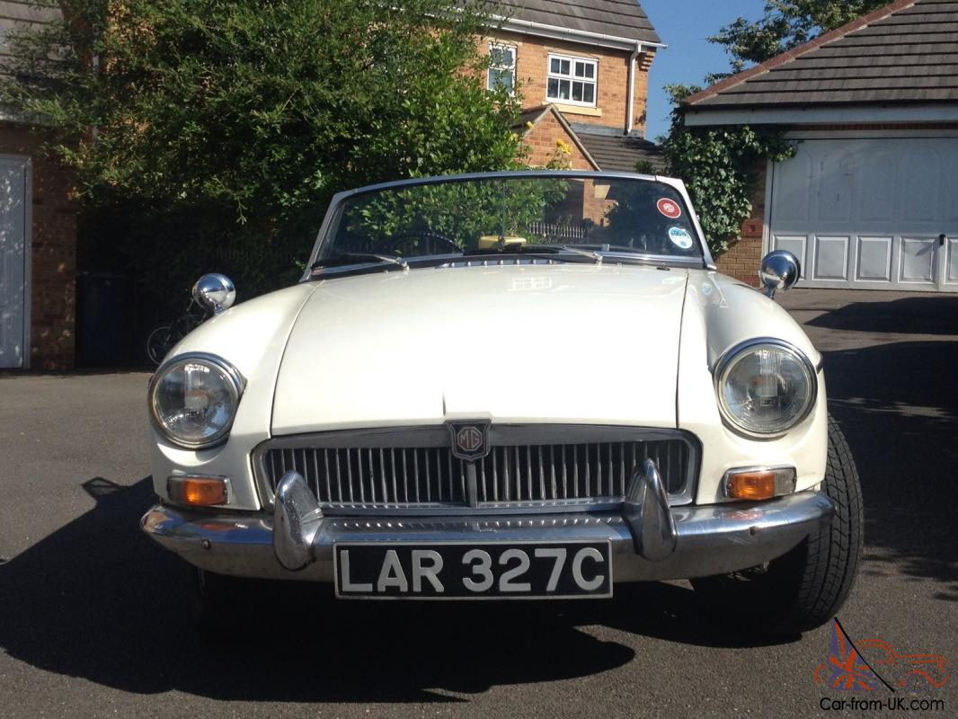 1965 MkI MGB Roadster - New Engine, clutch and gearbox with overdrive
