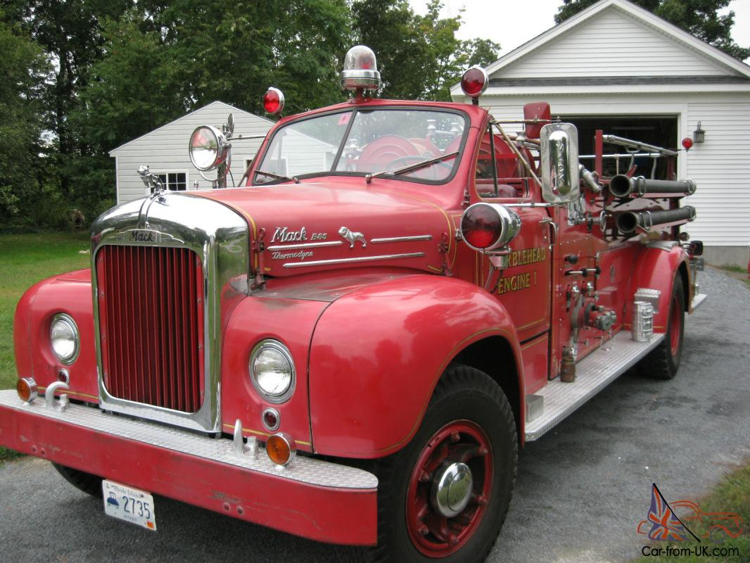 Mack B85 Antique Fire Engine